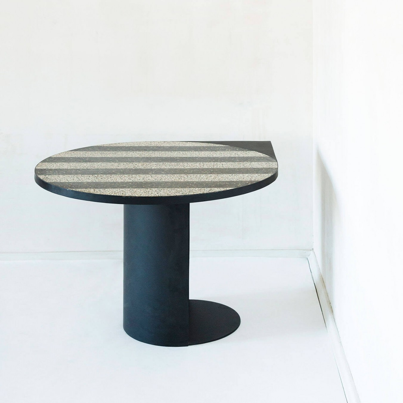Magic Stone Stripy Table