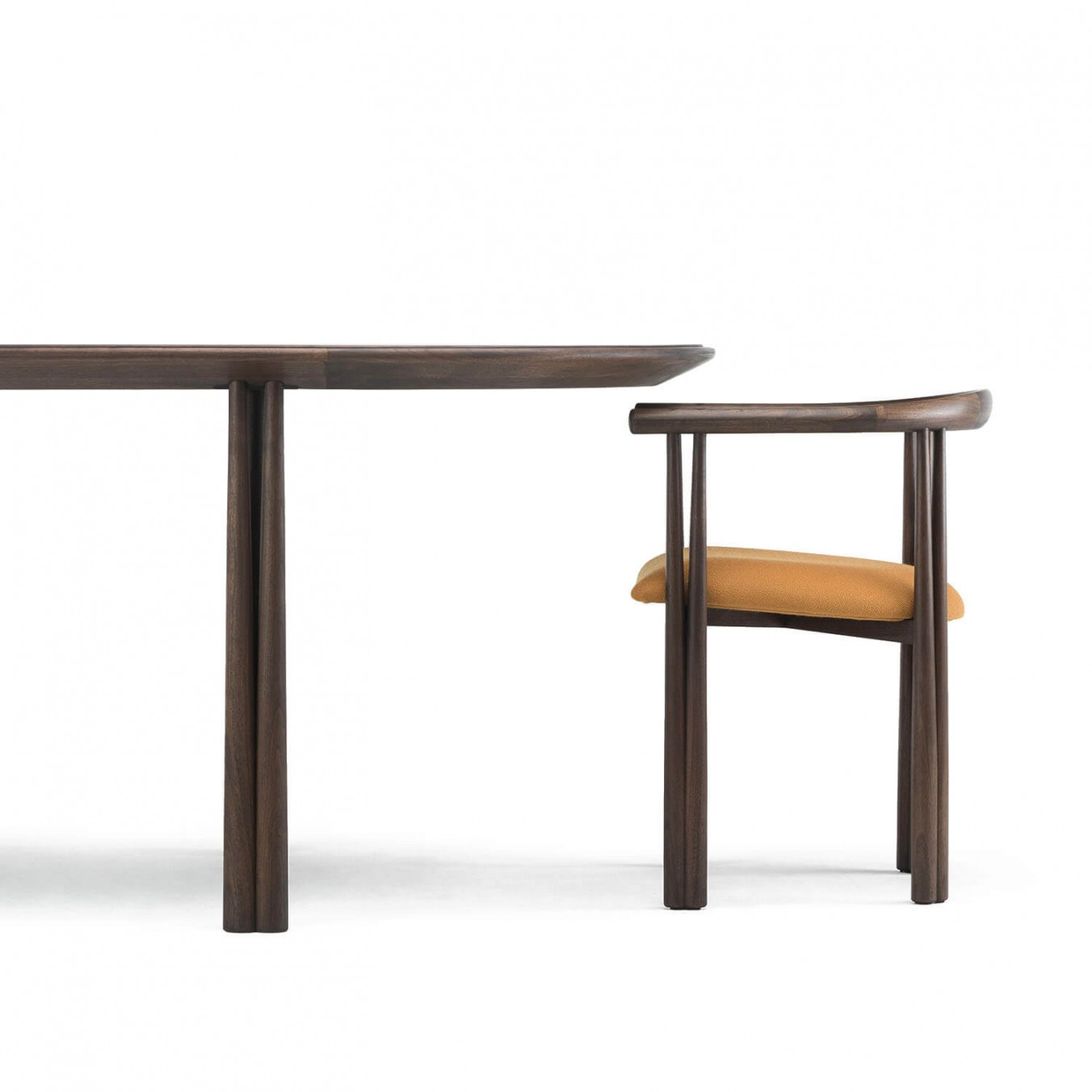 ELLIOT DINING TABLE