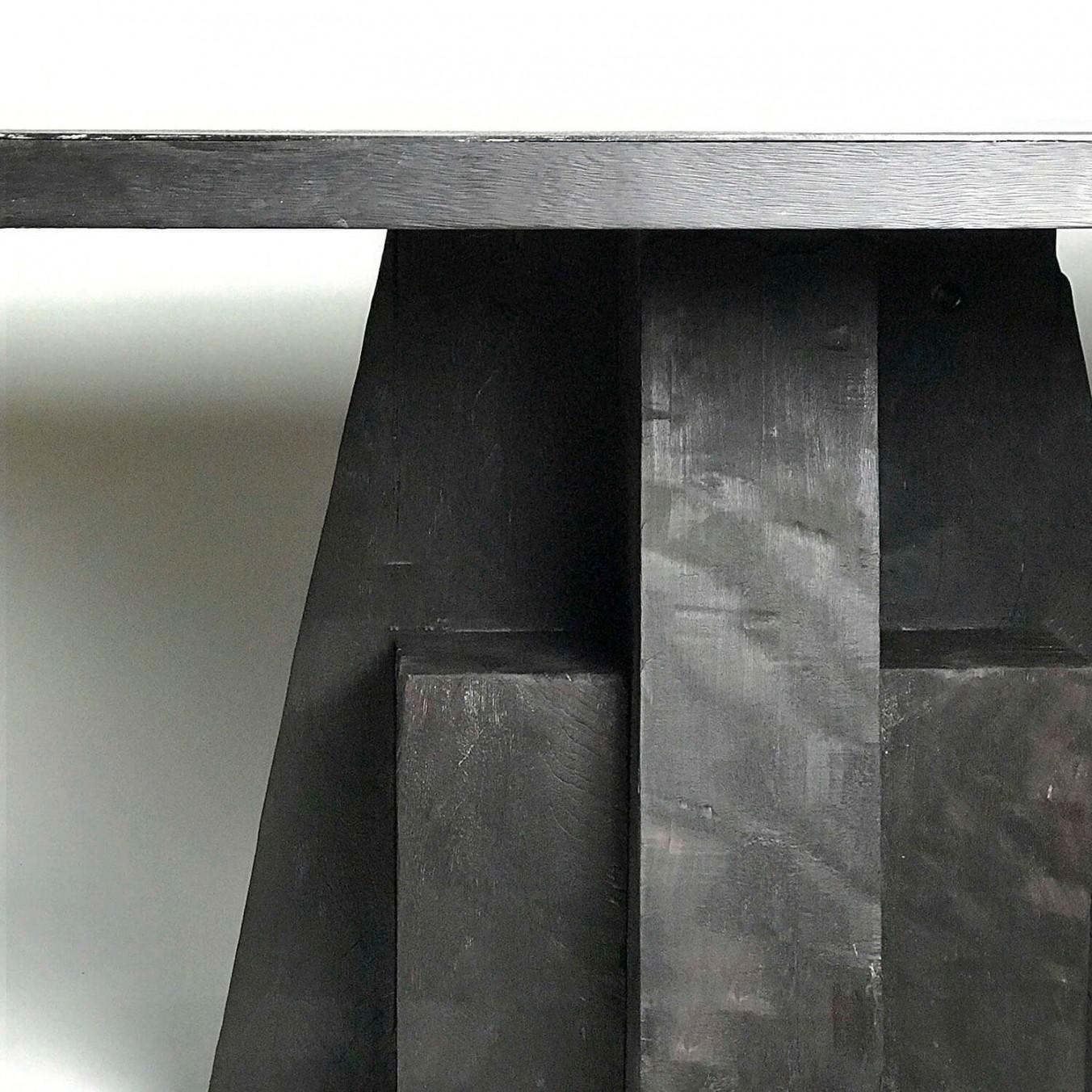 A D TABLE