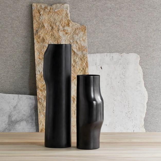 Bronze Bos vases
