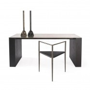 SHOWROOM TABLE