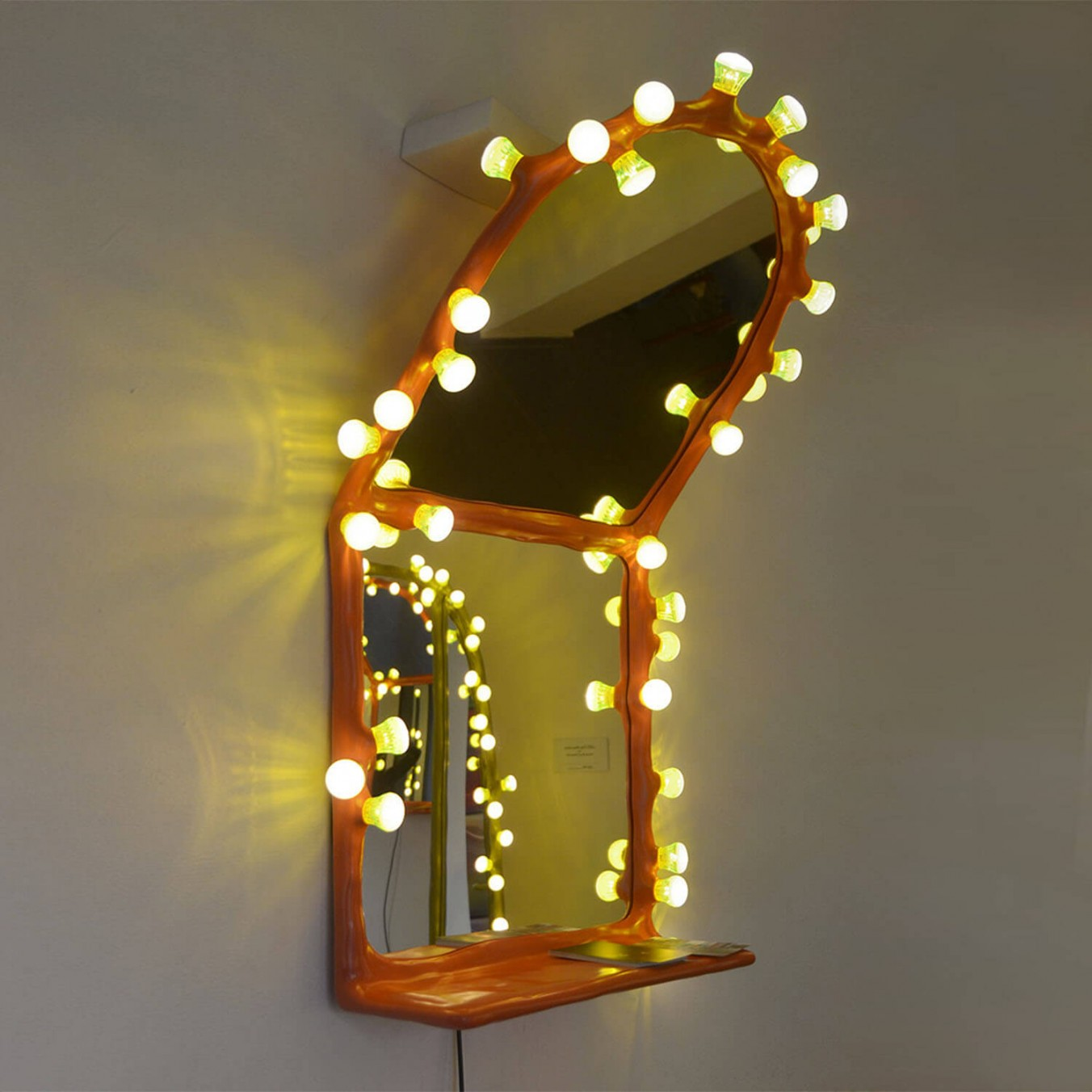 LEDS Clay Wall Mirror