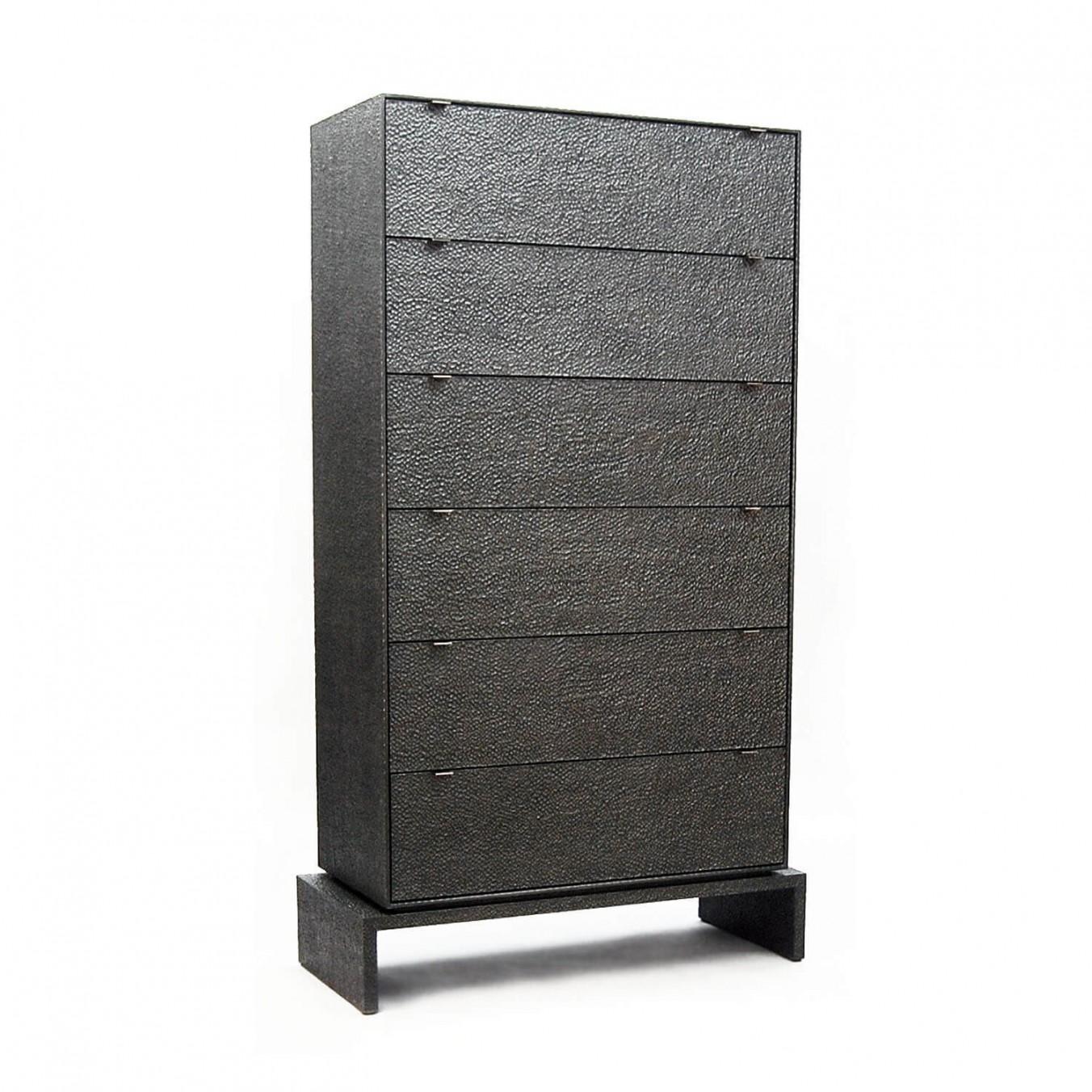 D6 Dresser